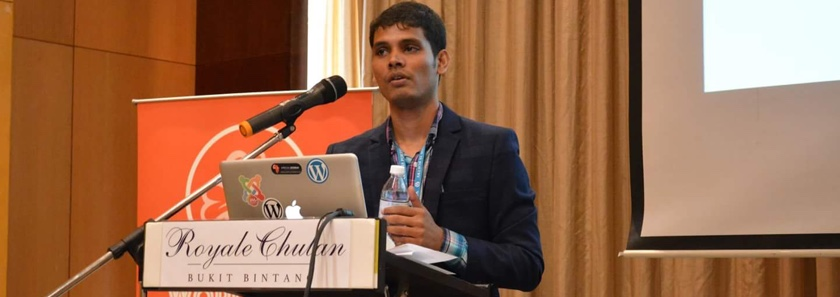 Lincoln Islam speaking at Kuala Lumpur, WordCamp Conference in 2017.
